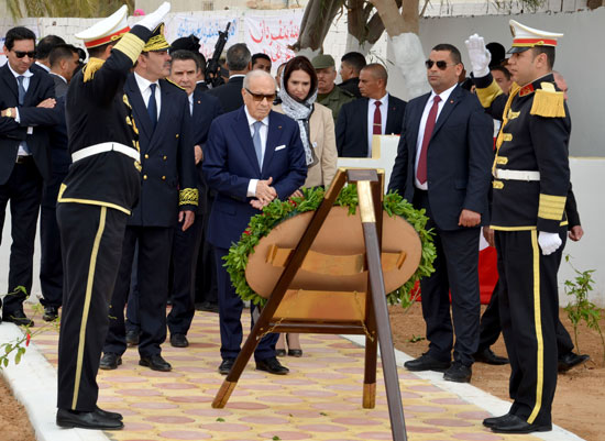 الرئيس التونسى يزور بن قردان بعد شهر على هجمات إرهابية دامية (2)