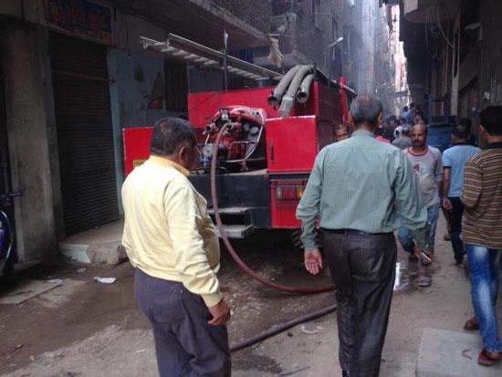حريق بورشة سيارات بشبرا الخيمة (2)
