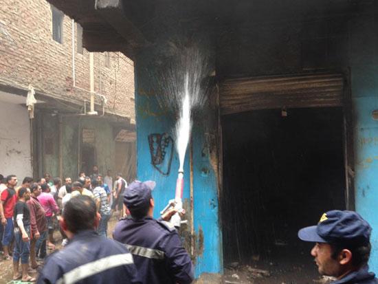 حريق بورشة سيارات بشبرا الخيمة (4)