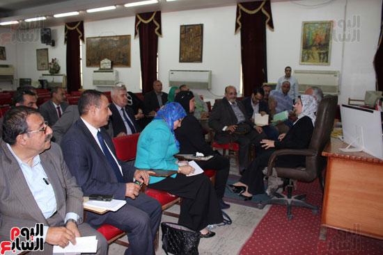 اجتماع وكيلة وزارة التربية والتعليم (1)