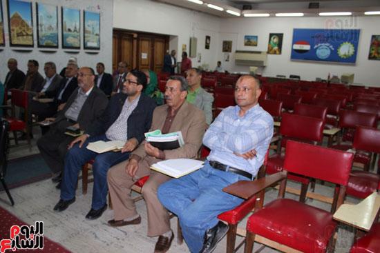 اجتماع وكيلة وزارة التربية والتعليم (5)