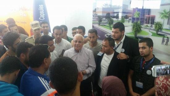 وفد من طلاب الجامعة المصرية (2)