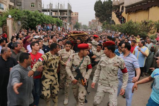 تشييع جنازة شهيد تفجيرات سيناء فى المنوفية (5)