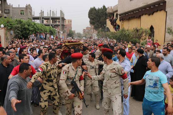 تشييع جنازة شهيد تفجيرات سيناء فى المنوفية (6)