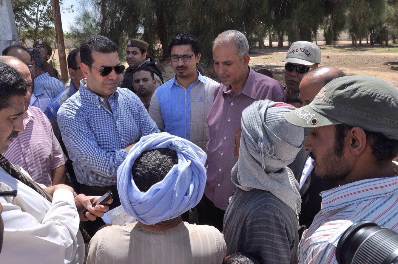 خلال تفقد المحافظ لأحد مراكز الشباب -اليوم السابع -5 -2015