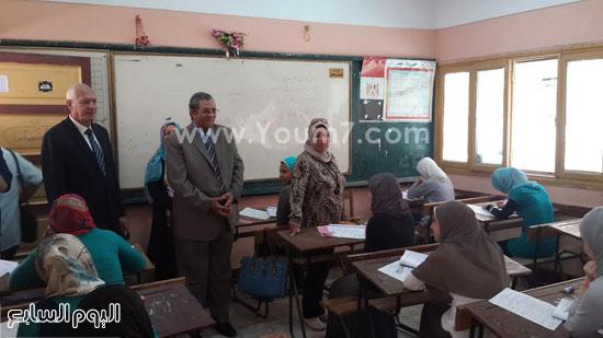 محافظ الغربية يتابع سير امتحانات الشهادة الإعدادية -اليوم السابع -5 -2015