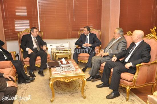 محافظ بنى سويف يستقبل الدكتور عصام شرف -اليوم السابع -5 -2015