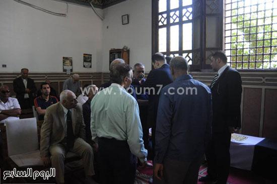 أهالى الشهيد يتلقون العزاء -اليوم السابع -5 -2015
