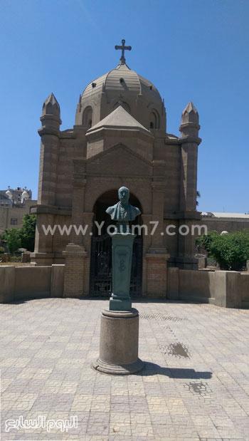 تمثال للسكاكينى باشا مؤسس مقابر الروم الكاثوليك -اليوم السابع -5 -2015