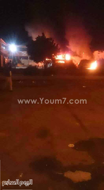 الحريق يلتهم أحدى أتوبيسات المرفق الداخلى لمدينة الإسماعيلية -اليوم السابع -5 -2015