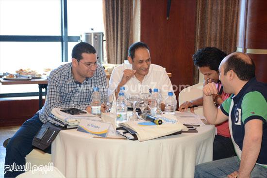 المشاركون فى الورشة بينهم وليد رمضان  -اليوم السابع -5 -2015
