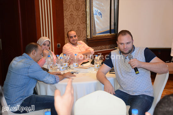 فريق عمل بالورشة فى إطار الاستعدادات  -اليوم السابع -5 -2015