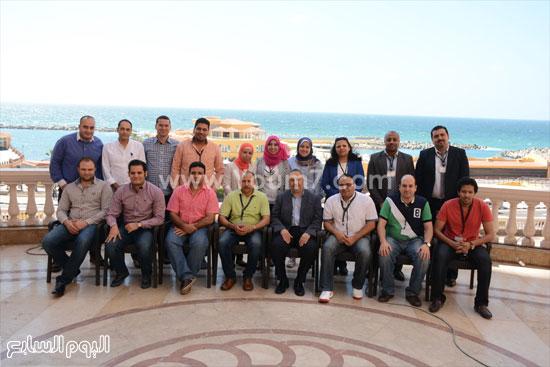 صورة جماعية للمشاركين فى الورشة  -اليوم السابع -5 -2015