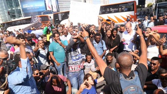 متظاهرون إثيوبيون يشتبكون مع الشرطة  -اليوم السابع -5 -2015