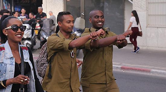 جنديان إثيوبيان من قوات الاحتياط ينضمان للمظاهرات  -اليوم السابع -5 -2015