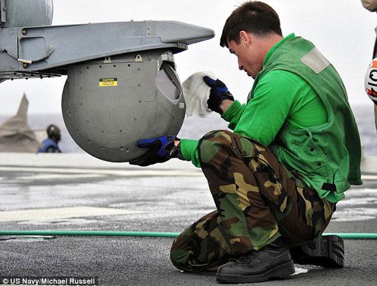 يستخدم هذا الزجاج لحماية المعدات والأجهزة العسكرية -اليوم السابع -5 -2015