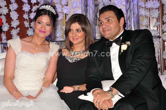شذى تتوسط العروسين -اليوم السابع -5 -2015