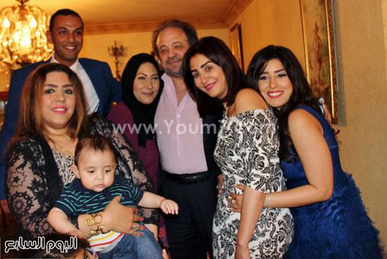 آيتن عامر وشقيقتها وفاء عامر وزوجها -اليوم السابع -5 -2015