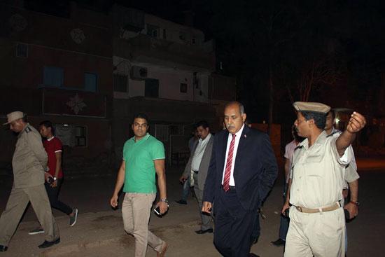مدير الأمن يتفقد الحالة الأمنية بدائرة قسم ثان أسوان (6)