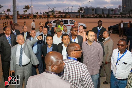 وفدا 16 دولة أفريقية بميناء دمياط (4)