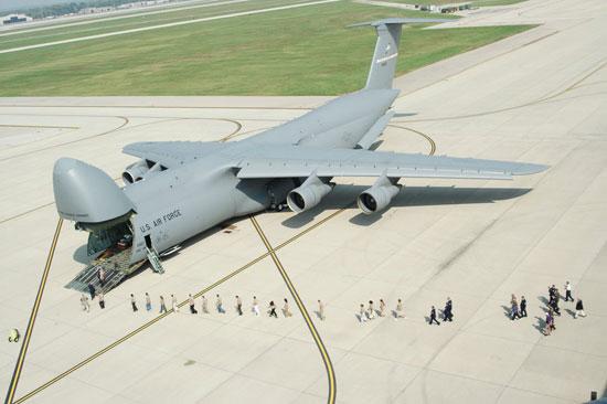 طائرة C-5 Galaxy (1)