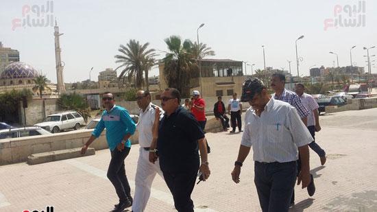 حملة مكبرة لمنع دخول الدواب والدراجات البخارية بشاطئ بورسعيد (1)