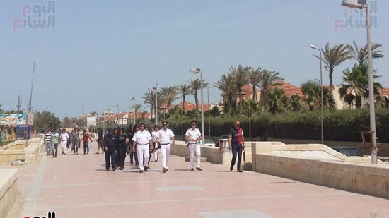 حملة مكبرة لمنع دخول الدواب والدراجات البخارية بشاطئ بورسعيد (3)