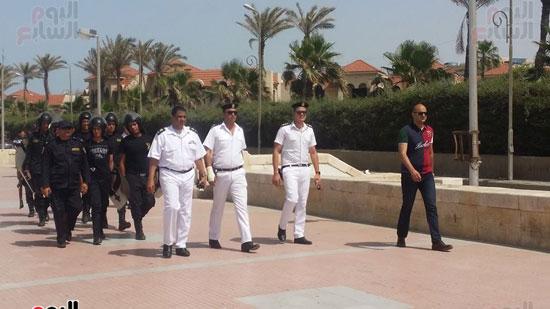 حملة مكبرة لمنع دخول الدواب والدراجات البخارية بشاطئ بورسعيد (6)