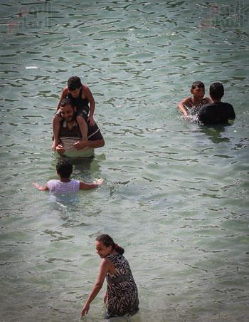 شواطى الاسكندرية فى الصيف) (1)