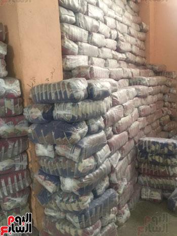 ضبط 1055 طن أرز احتكرها التجار قبل رمضان (1)