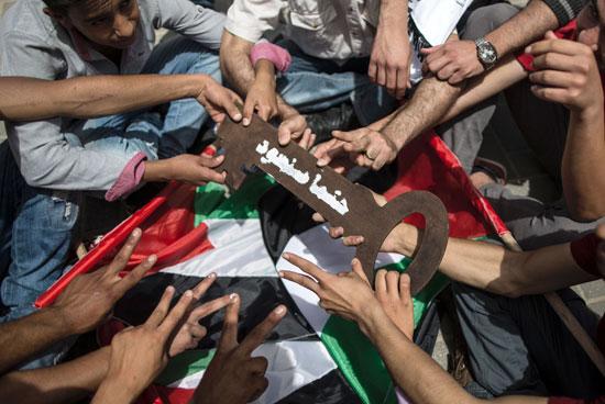الفلسطينيون يحيون الذكرى الـ68 للنكبه (6)