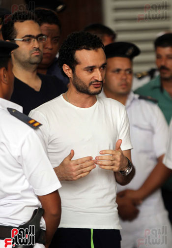 محاكمة أحمد دومة ومحمد عادل (8)