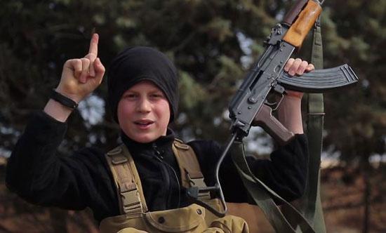 أطفال-داعش-يعدمون-سوريين-(10)