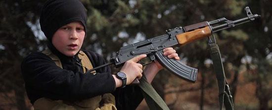 أطفال-داعش-يعدمون-سوريين-(9)