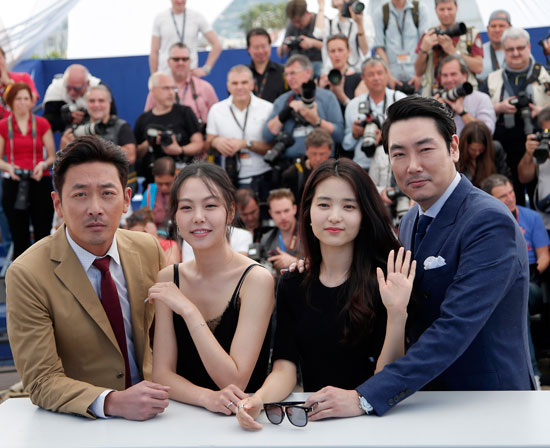 نجوم-الفيلم-الكورى-The-Handmaiden-(1)