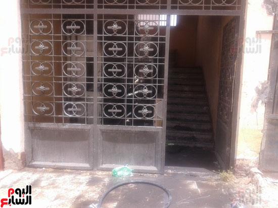 اشتعال حريق بمخزن مدرسة شهيد رياض بكفر الشيخ (2)