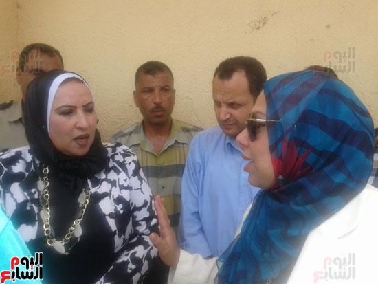 اشتعال حريق بمخزن مدرسة شهيد رياض بكفر الشيخ (5)