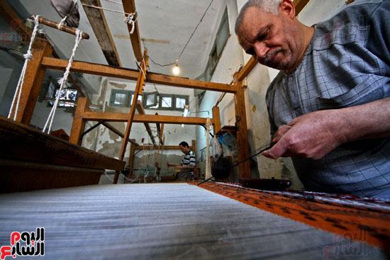 صناعة-السجاد-اليدوى-(2)