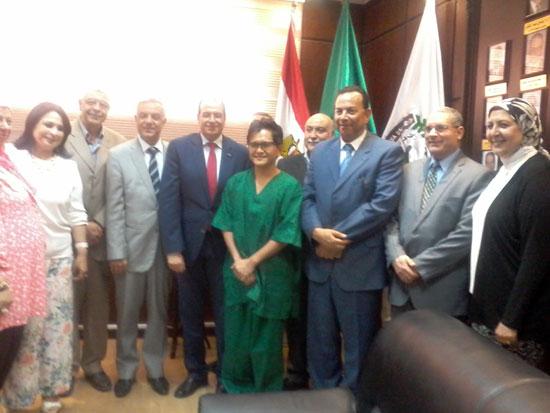 الدكتور معوض الخولى رئيس جامعة المنوفية (2)