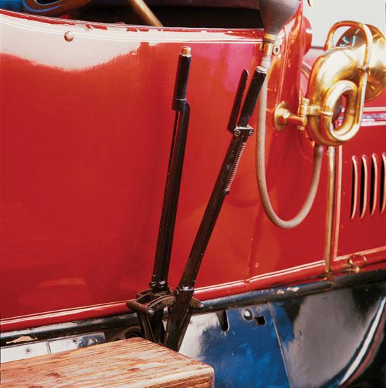 -أبرز-السيارات-العتيقة-الراقية-التى-ستعرض-بمزاد-موناكو-(2)