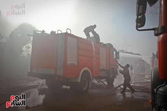 حريق مخزن بلاستيك (1)