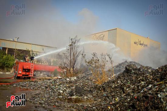 حريق مخزن بلاستيك (8)
