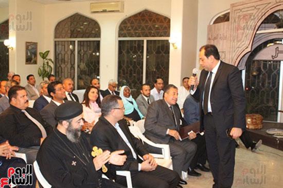 مساعد وزير الخارجية الرئيس شدد على إعطاء أولوية للمصريين فى الخارج (15)