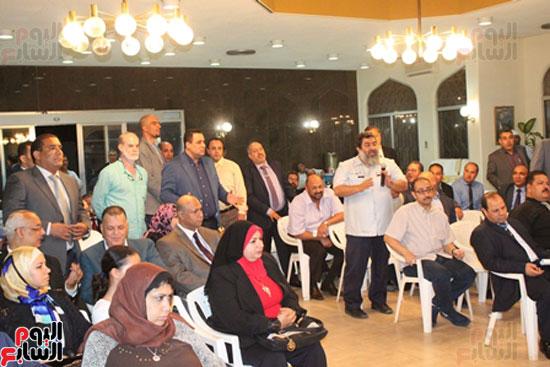مساعد وزير الخارجية الرئيس شدد على إعطاء أولوية للمصريين فى الخارج (3)
