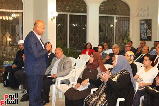 مساعد وزير الخارجية الرئيس شدد على إعطاء أولوية للمصريين فى الخارج (5)