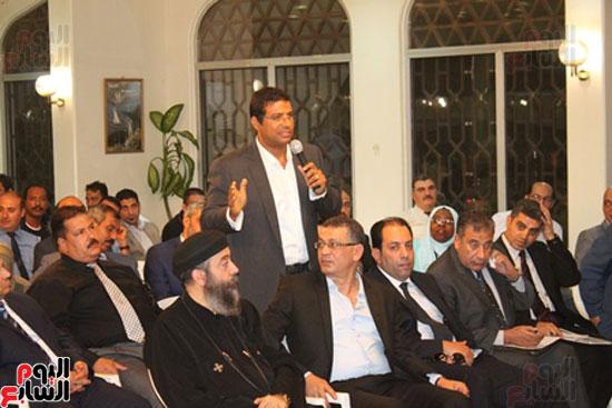 مساعد وزير الخارجية الرئيس شدد على إعطاء أولوية للمصريين فى الخارج (9)