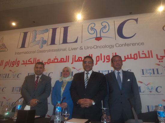 مساعد وزير الصحة مقترح بخط إنتاج مشترك لتصنيع أدوية الأورام فى مصر (1)