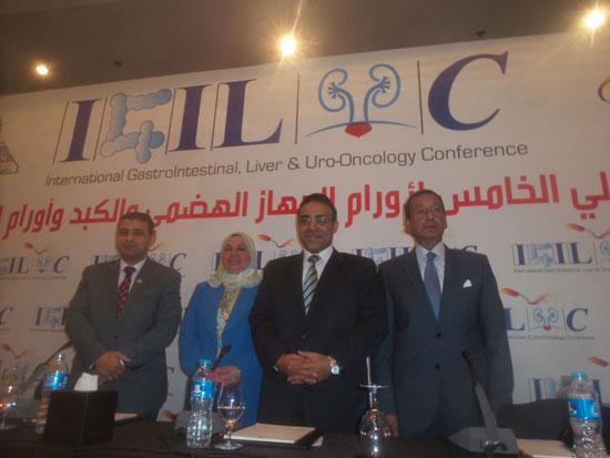 مساعد وزير الصحة مقترح بخط إنتاج مشترك لتصنيع أدوية الأورام فى مصر (2)