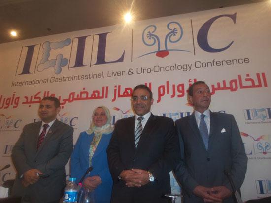 مساعد وزير الصحة مقترح بخط إنتاج مشترك لتصنيع أدوية الأورام فى مصر (3)