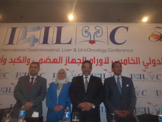 مساعد وزير الصحة مقترح بخط إنتاج مشترك لتصنيع أدوية الأورام فى مصر (4)